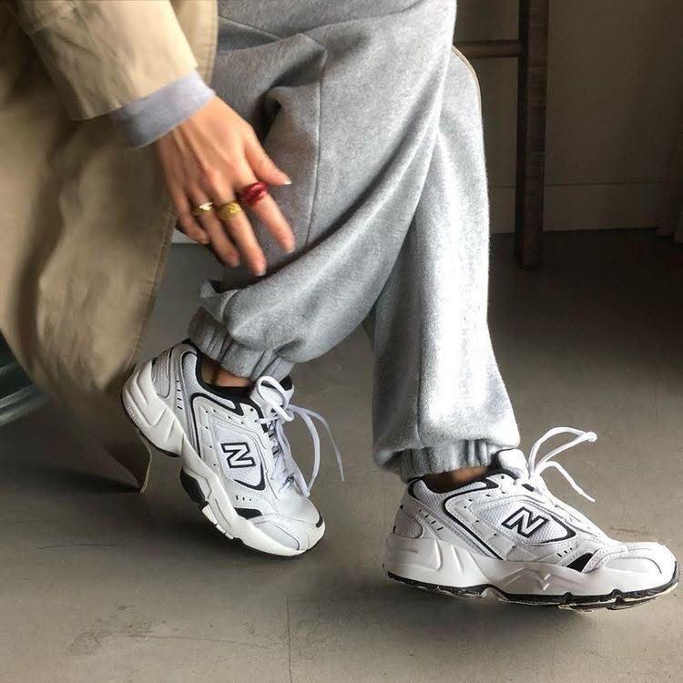 ニューバランス 人気 スニーカー ウィメンズ レディース おすすめ best-new-balance-sneakers-for-women white
