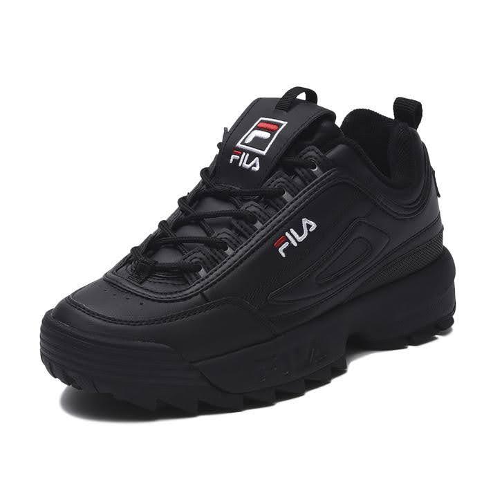 FILA ディスラプター-black-ladies-sneakers-winter-style-fila-black-sneaker