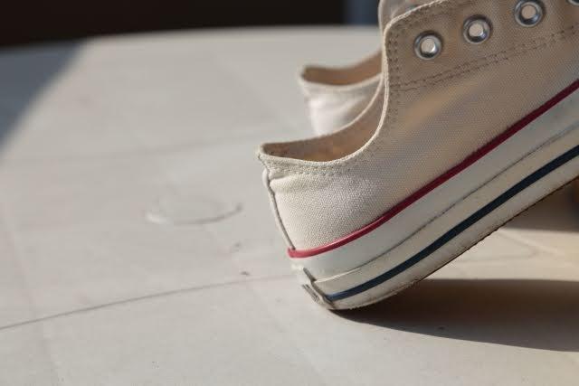 スニーカー 洗い方 ケア 方法 キャンバス 乾燥 干し方 how-to-clean-your-sneakers-wash-guide