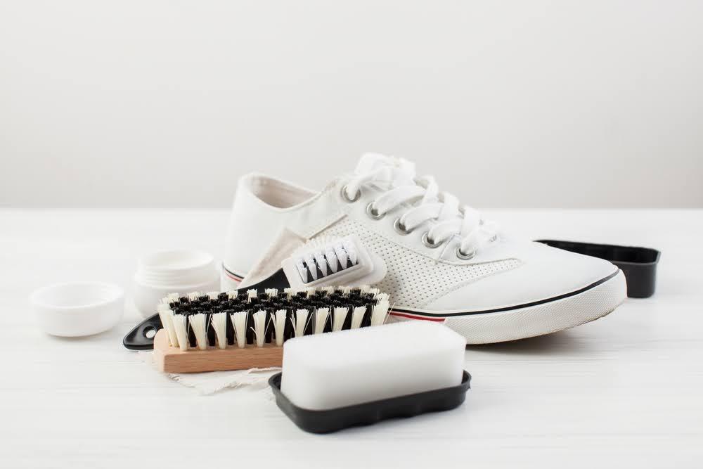 スニーカー 洗い方 ケア 方法 おすすめ sneakers-how-to-wash white