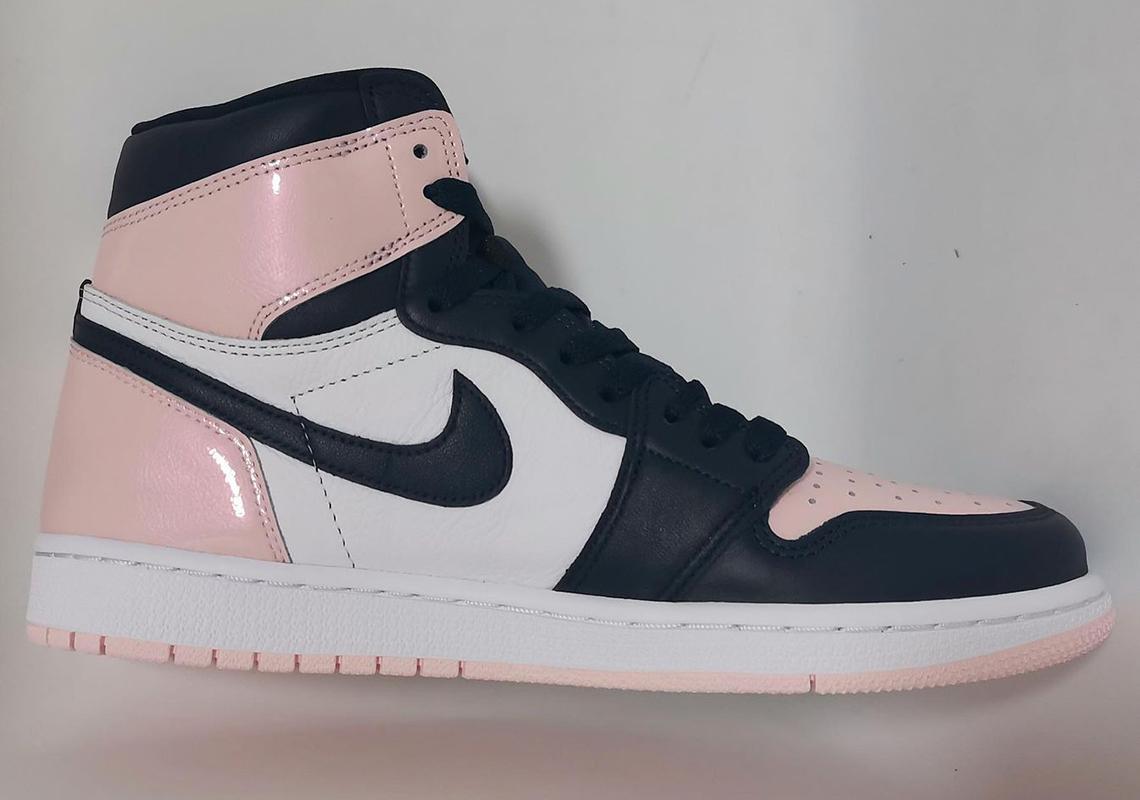 "Nike WMNS Air Jordan 1 Retro High OG ""Atmosphere"" ナイキ ウィメンズ エアジョーダン 1 レトロ ハイ OG ""アトモスフィア""Atmosphere/White/Laser Pink/Obsidian DD9335-641 detail"