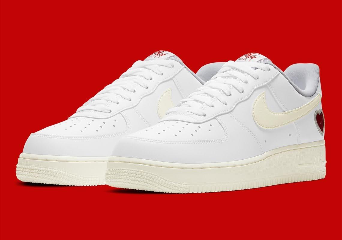 """ナイキ エア フォース 1 """"バレンタインズデー""""-Nike-Air-Force-1-Valentines-Day-DD7117-100-Sneaker News main"""