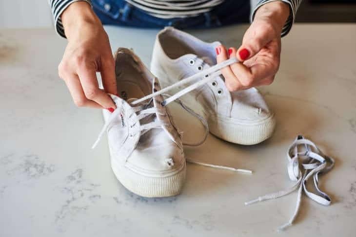 スニーカー 洗い方 ケア 方法 おすすめ white-sneakers-how-to-wash