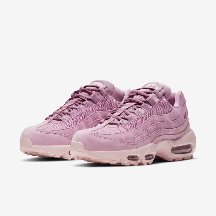 """ナイキ ウィメンズ エア マックス 95 """"ピンクスエード"""" Nike-WMNS-Air-Max-95-Pink-Suede-DD5398-615-pair"""