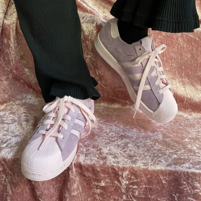 Adidas SST MINIMALIST ICONS CLEAR PINK】アディダス SST ミニマリスト アイコンズ クリアピンク wearing