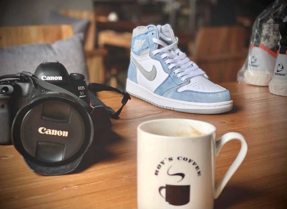 "Nike Air Jordan 1 High OG ""Hyper Royal"" / ナイキ エア ジョーダン 1 ハイ OG ""ハイパーロイヤル"" 555088-402 image sneaker"