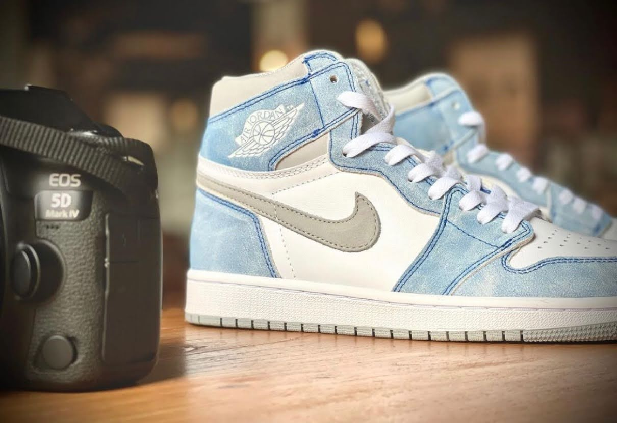 "Nike Air Jordan 1 High OG ""Hyper Royal"" / ナイキ エア ジョーダン 1 ハイ OG ""ハイパーロイヤル"" 555088-402 image top side"