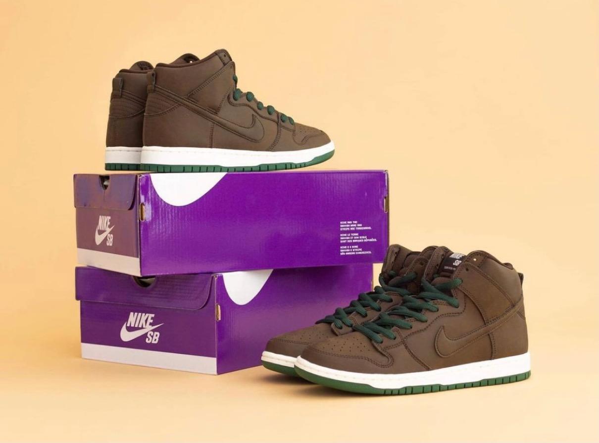 """【Nike Dunk High """"Baroque Brown""""】ナイキ ダンク ハイ """"バロックブラウン"""" CV1624-200 pair"""