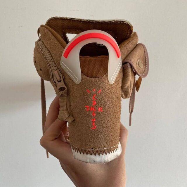 """トラヴィス・スコット × ナイキ エア ジョーダン 6 """"ブリティッシュカーキ"""" Travis-Scott-Nike-Air-Jordan-6-British-Khaki-DH0690-200-heel"""