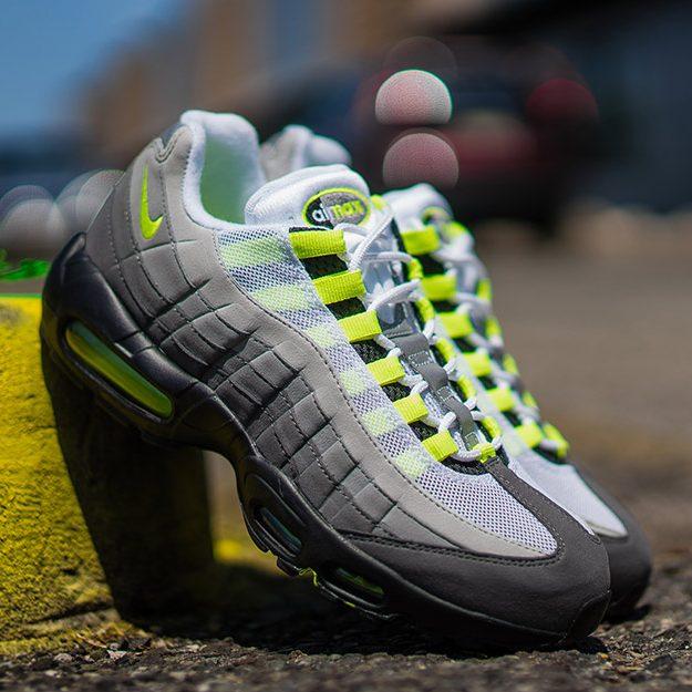 Nike Air Max 95 について nike-air-max-95-og-neon-eyecatch