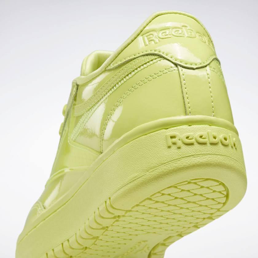 リーボック × カーディビー/ クラブ シー ダブル (ハイヴィスグリーン) Reebok_Cardi_Coated_Club_C_Double_High_Vis_Green_H02568-heel-closeup