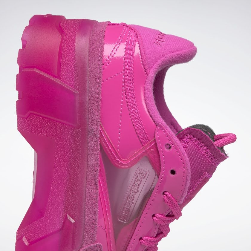リーボック × カーディビー/ クラブ シー カーディ (ダイナミックピンク) Reebok_Club_C_Cardi_Pink_H01011-side-heel-closeup
