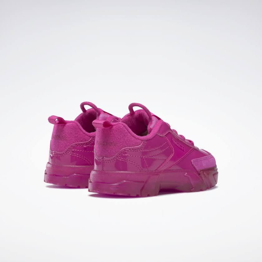 リーボック × カーディビー (トドラー)/ クラブ シー カーディ (ダイナミックピンク) Reebok_Club_C_Cardi_Toddler_Pink_H02531-pair-back