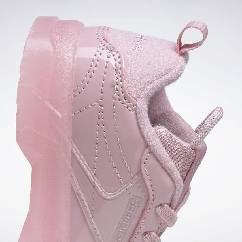 リーボック × カーディビー (トドラー)/ クラブ シー カーディ (クラシックピンク) Reebok_Club_C_Cardi_Toddler_Classic_Pink_H02571-side-heel-closeup