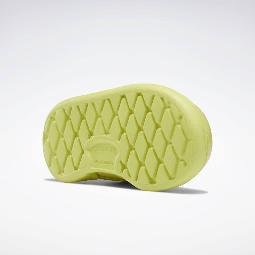 リーボック × カーディビー (トドラー)/ クラブ シー スリップオン (ハイヴィスグリーン) Reebok_Club_C_Cardi_Slip_on_Toddler_High_Vis_Green_H02520-sole