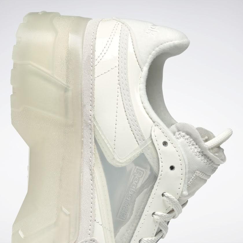 リーボック × カーディビー/ クラブ シー カーディ (チョーク) Reebok_Club_C_Cardi_White_H01012-side-heel-closeup