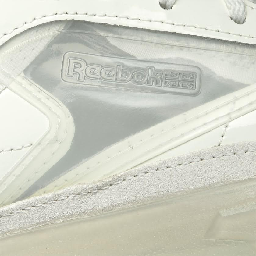 リーボック × カーディビー/ クラブ シー カーディ (チョーク) Reebok_Club_C_Cardi_White_H01012-side-closeup