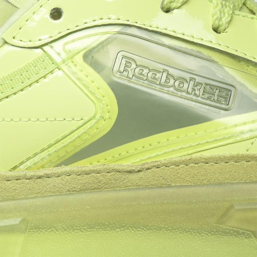 リーボック × カーディビー/ クラブ シー カーディ (ハイヴィスグリーン) Reebok_Club_C_Cardi_High_Vis_Green_H01010-side-closeup
