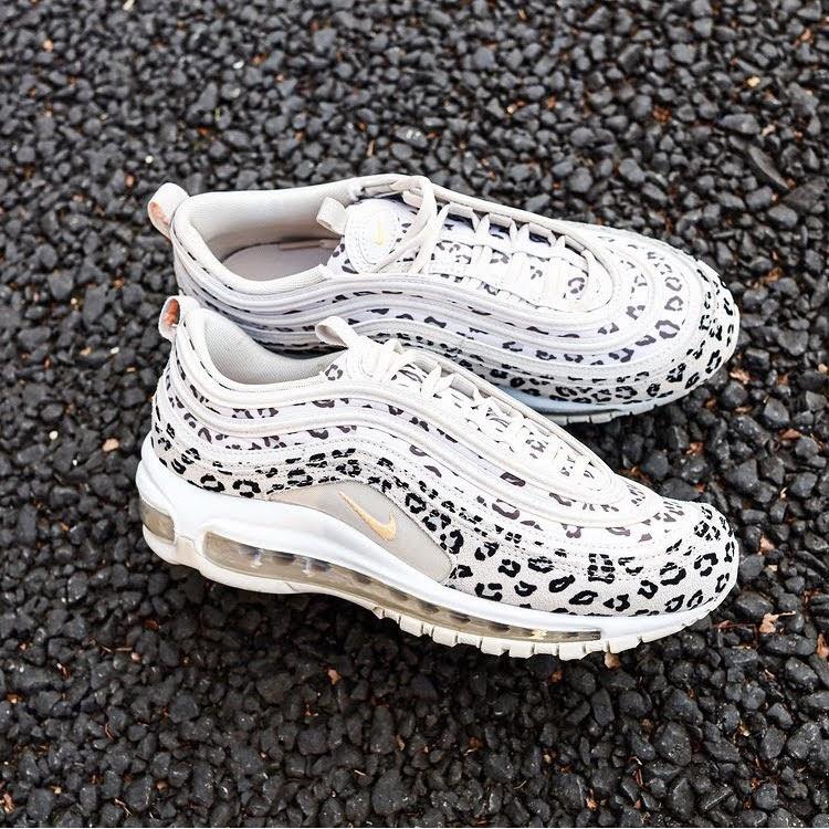 """ナイキ エア マックス 97 """"レオパード""""-Nike-Air-Max-97-Leopard-CW5595-001-pair-look-2"""