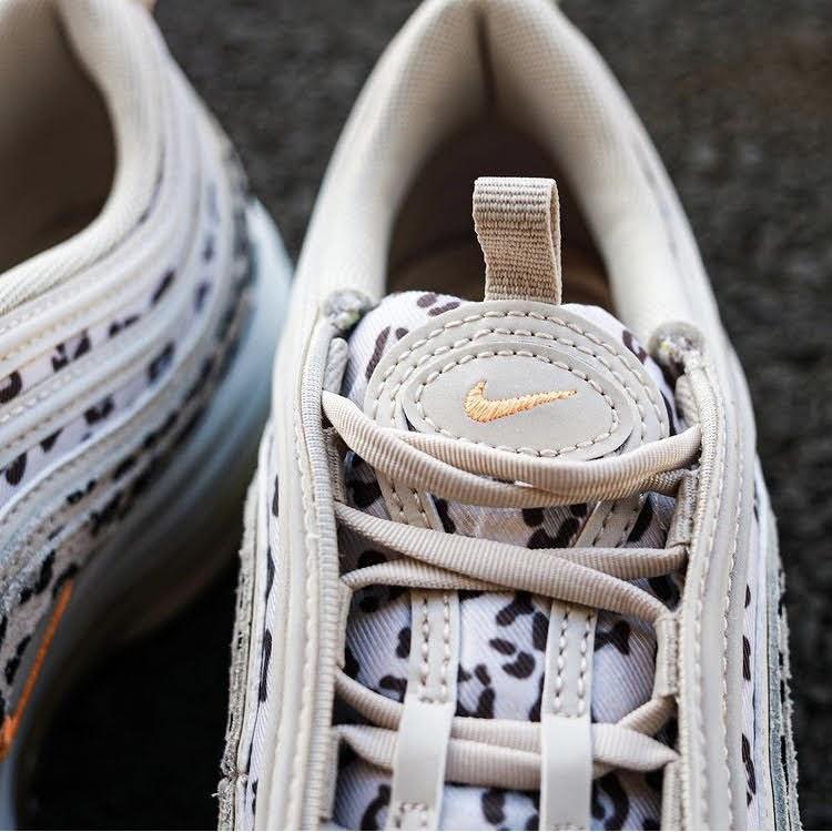 """ナイキ エア マックス 97 """"レオパード""""-Nike-Air-Max-97-Leopard-CW5595-001-pair-look-3"""