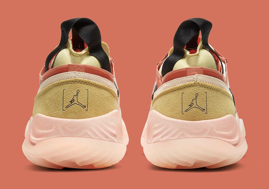 """ナイキ ジョーダン デルタ ブリース """"グァバ アイス"""" Nike-Jordan-Delta-Breathe-CW0783-104-heel"""