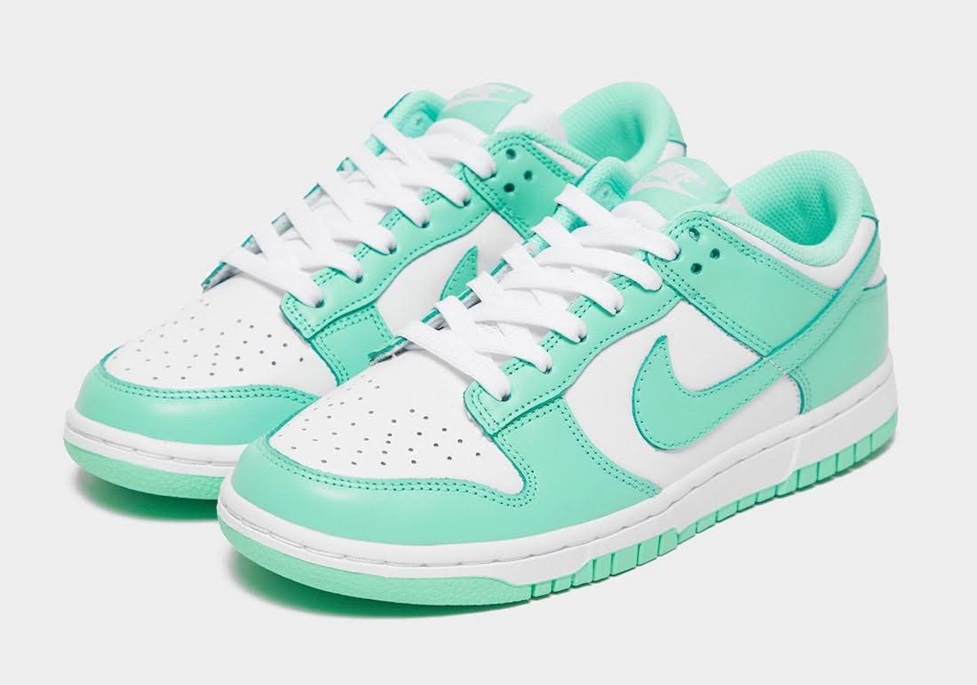 """ナイキ ウィメンズ ダンク ロー """"グリーン グロウ"""" Nike-Dunk-Low-Green-Glow-DD1503-105-pair"""