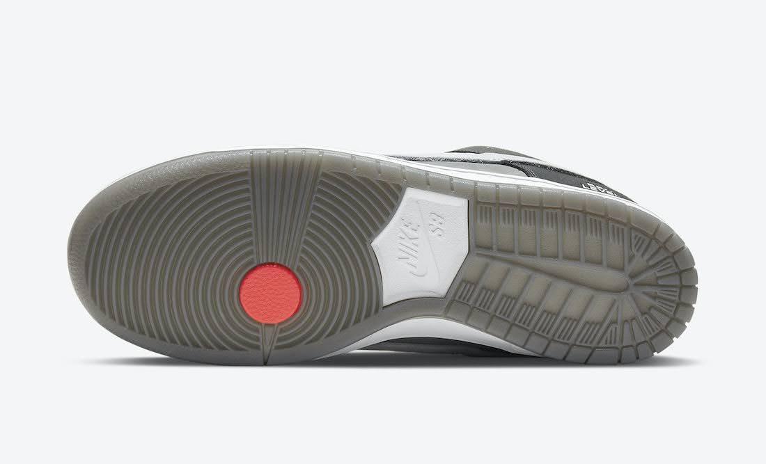 """ナイキ SB ダンク ロー """"カムコーダー"""" Nike-SB-Dunk-Low-Camcorder-CV1659-001-sole"""
