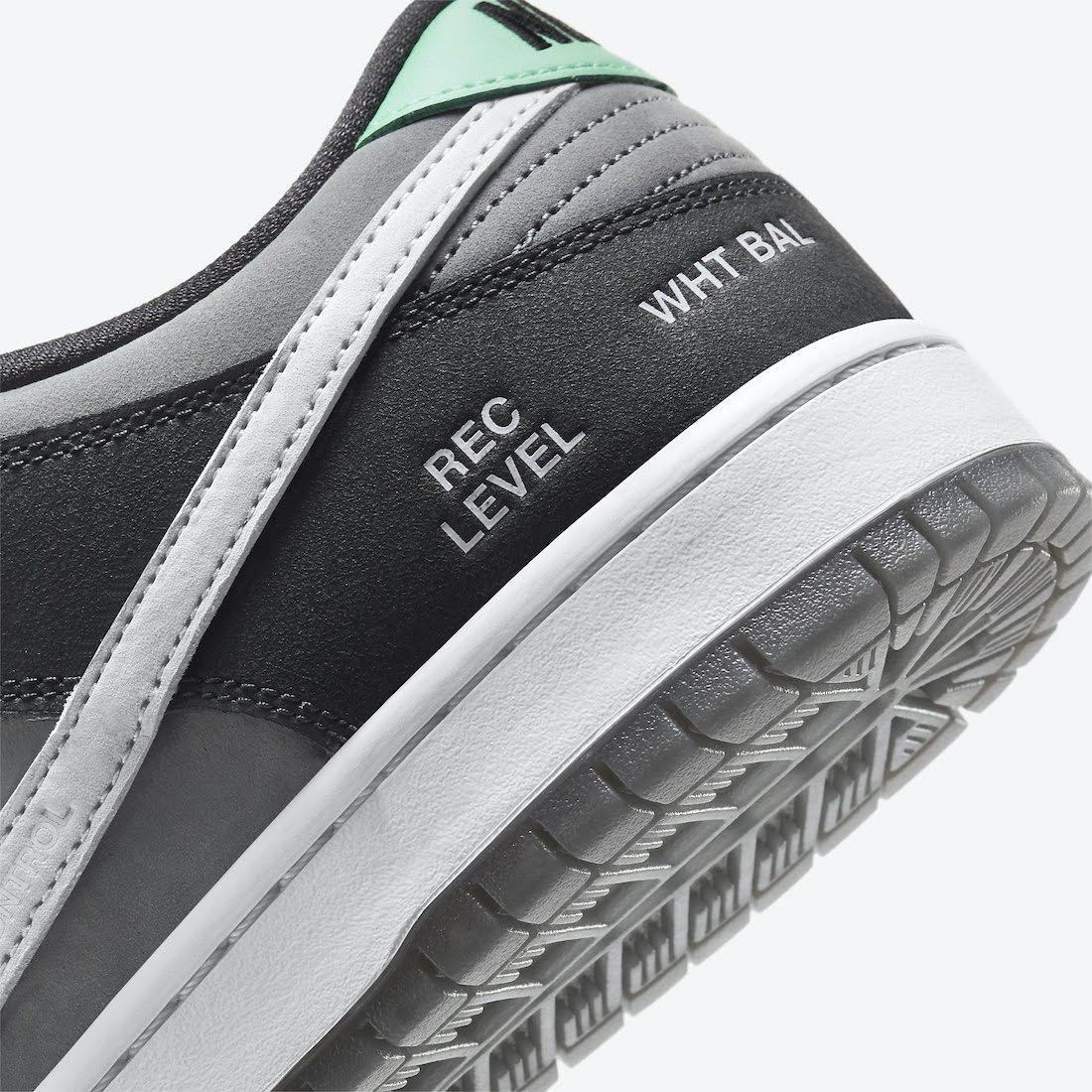 """ナイキ SB ダンク ロー """"カムコーダー"""" Nike-SB-Dunk-Low-Camcorder-CV1659-001-heel-design"""