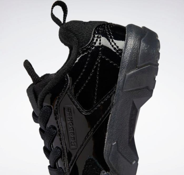 リーボック × カーディビー (トドラー)/ クラブ シー カーディ (コアブラック) Reebok_Club_C_Cardi_Toddler_Black_H02529-side-heel-closeup