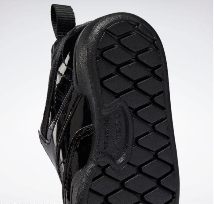 リーボック × カーディビー (トドラー)/ クラブ シー スリップオン (ブラック) Reebok_Club_C_Cardi_Slip_on_Toddler_Black_H02521-heel-closeup