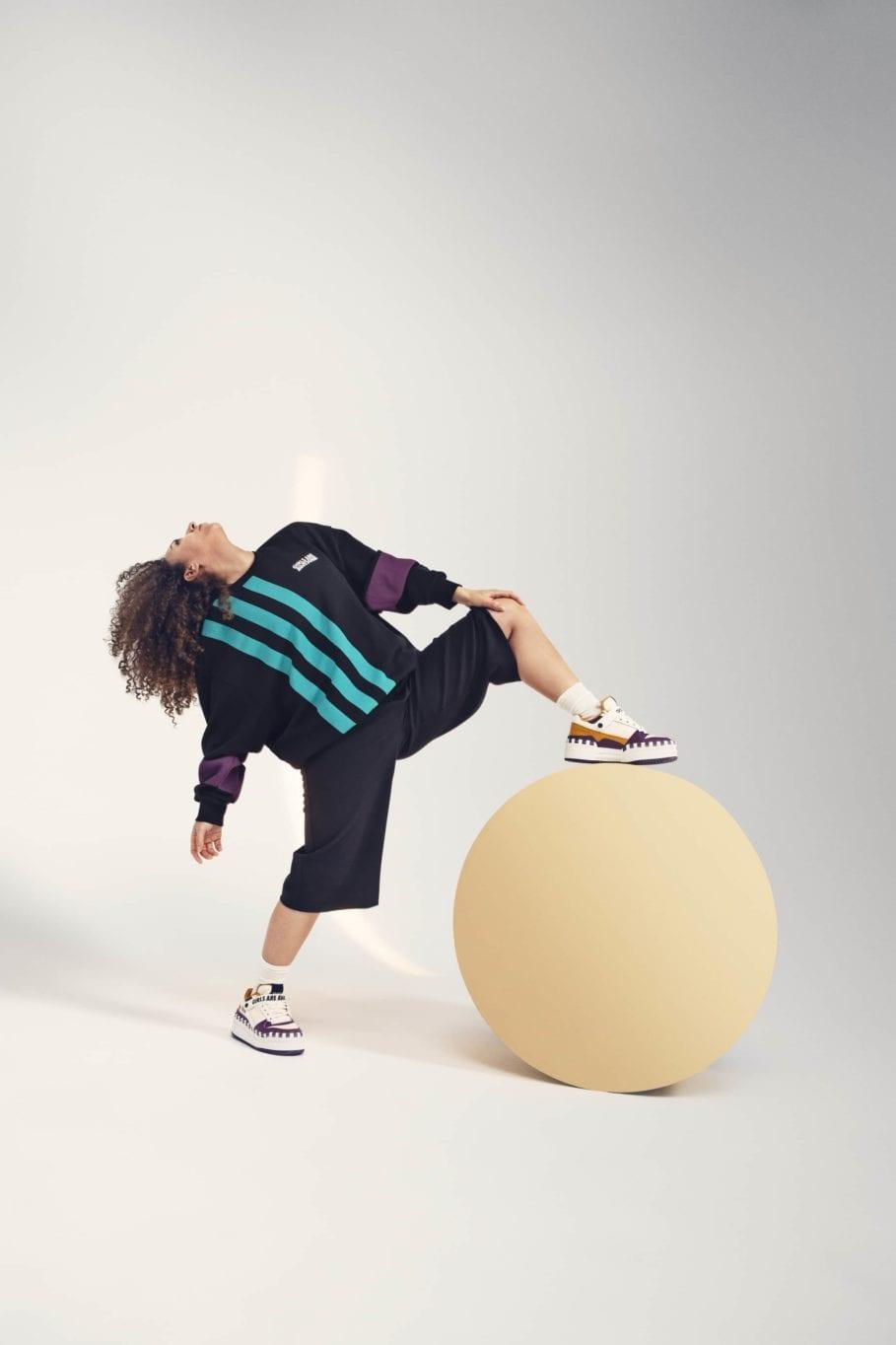 アディダス オリジナルス × ガールズ アー オーサム コレクション adidasxGirlsAreAwesome_CrewSweater-Black