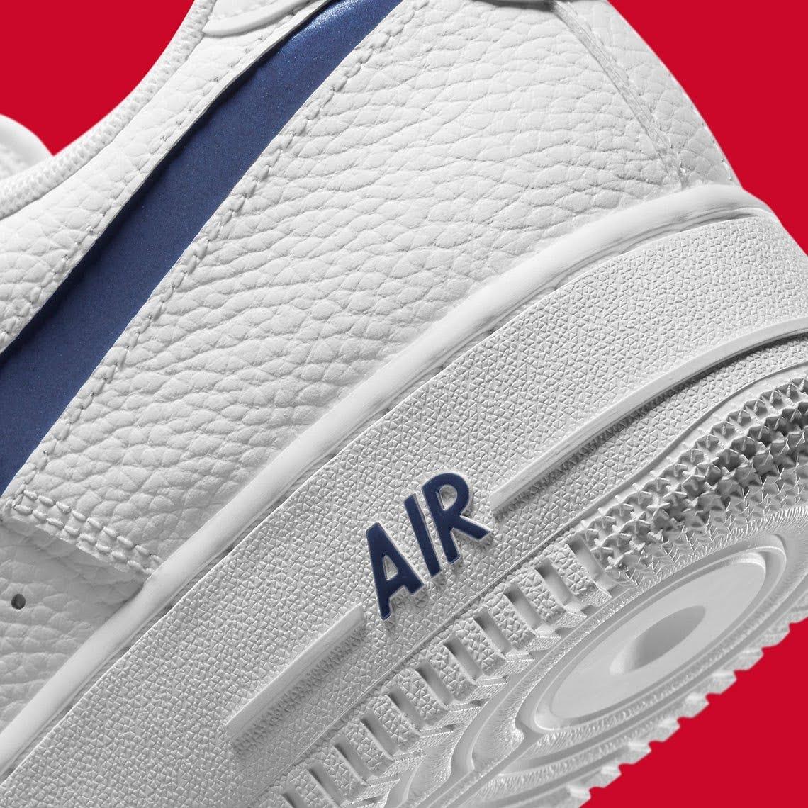 """ナイキ エア フォース 1 """"ニューイングランド パトリオット"""" nike-air-force-1-New-England-Patriots-DJ6887-100-side-heel-closeup"""