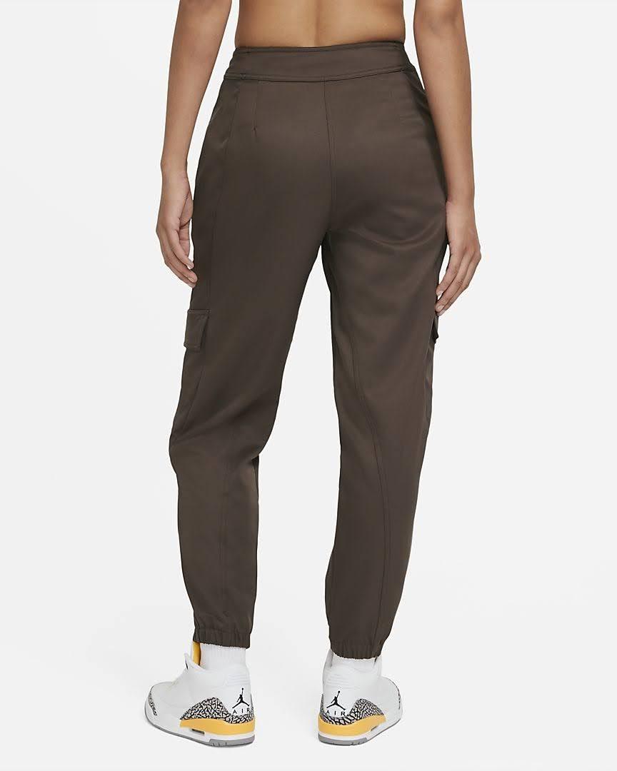 Nike-jordan-brand-ma-2-air-max-200-and-women-s-future-primal-apparel nike-jordan-future-primal-womens-utility-pants-DA1527-041-back