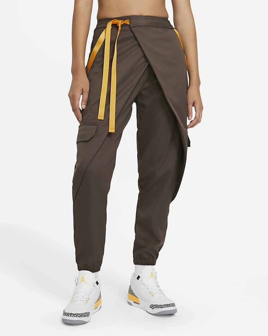 Nike-jordan-brand-ma-2-air-max-200-and-women-s-future-primal-apparel nike-jordan-future-primal-womens-utility-pants-DA1527-041-front