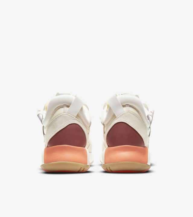 """ナイキ ジョーダン MA2 """"フューチャー ビギニングス"""" Nike-jordan-ma2-future-beginnings-DA2552-100-heel"""