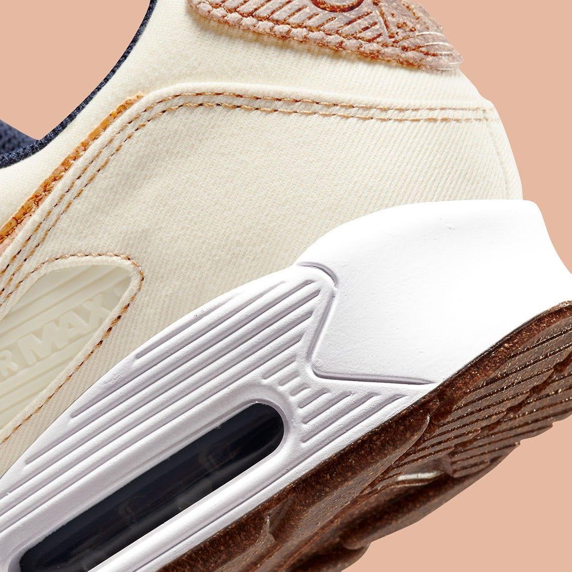 """ナイキ エア マックス 90 """"コルク"""" Nike-Air-Max-90-Cork-DD0385-100-side-heel-closeup"""