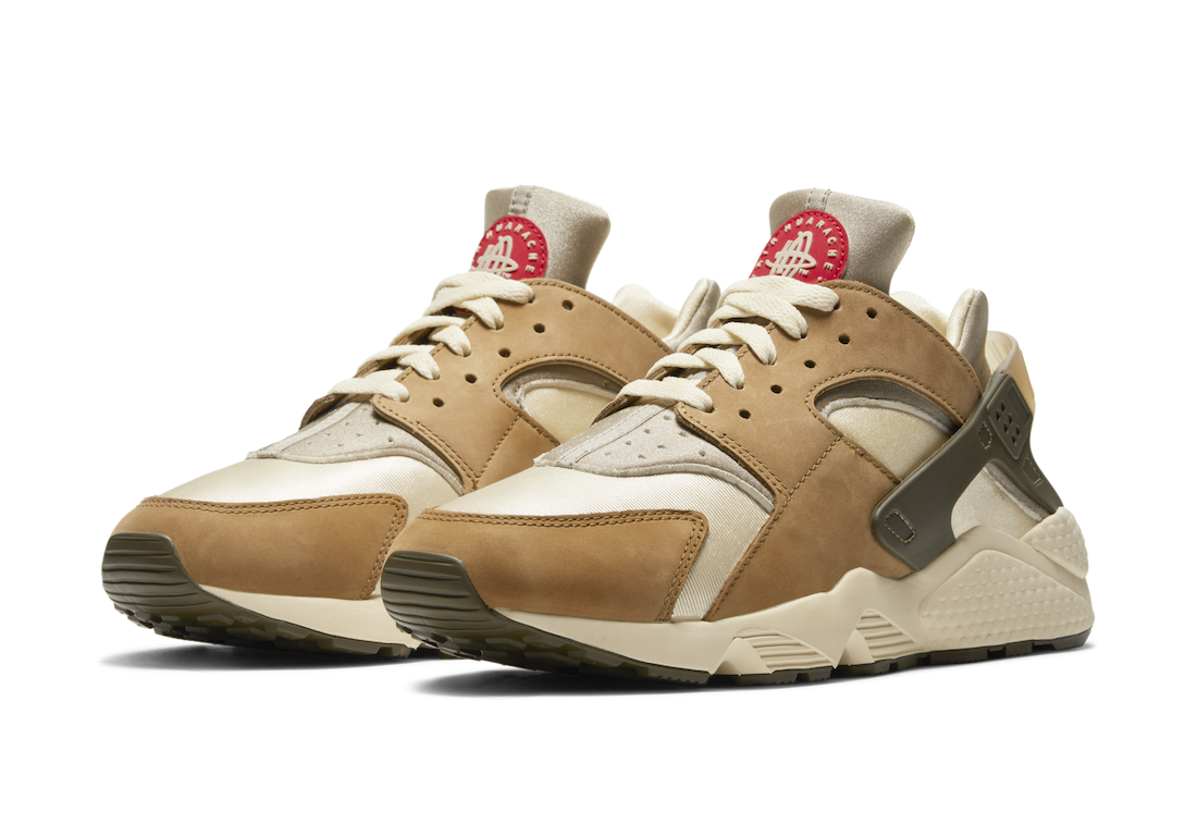 Stussy x Nike Air Huarache 21ss ステューシー ナイキ エアハラチ DESERT OAK/REED-LT STRAW-UNIV RED-NEWSPRINT DD1381-200 pair