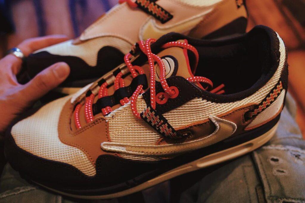 12月1日海外発売予定【Travis Scott × Nike Air Max 1 Cactus Jack】
