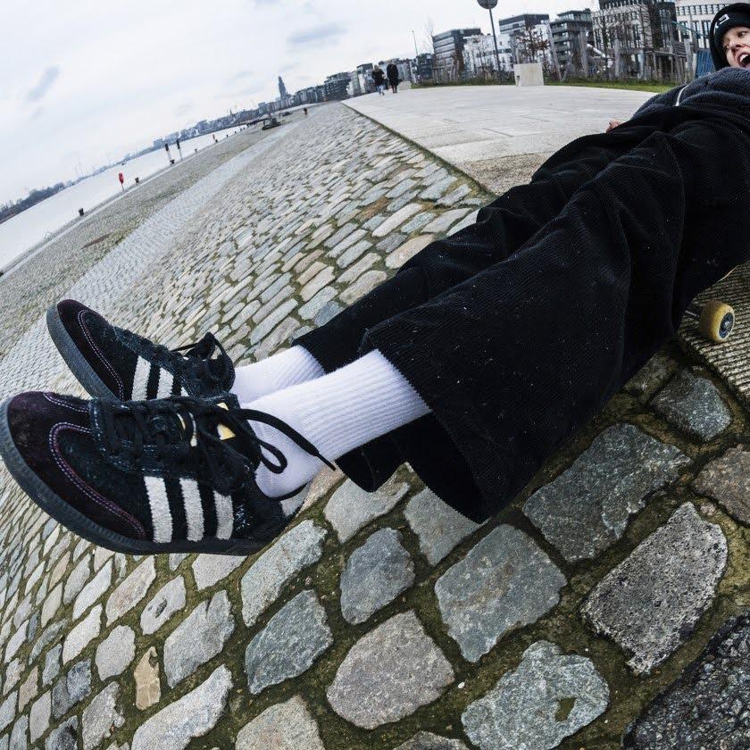 マイテ・スティーンハウト x アディダス サンバ ADV adidas_Maite_Samba_ADV_GZ5271_look-3