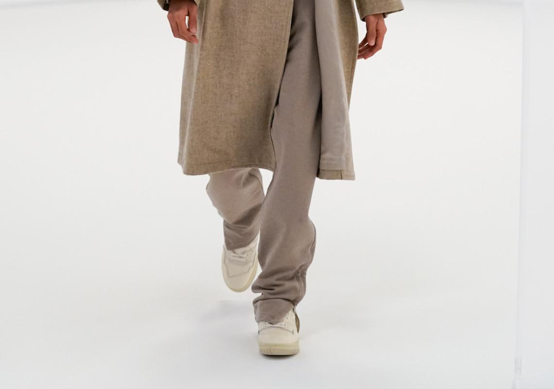 オーラリー ニューバランス 550 コラボレーション スニーカー auralee-new-balance-550-sneaker-collaboration-japan-colorway-fall-winter-2021 look