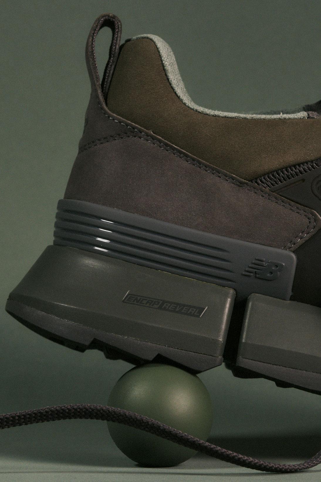 オーラリー × トーキョー デザイン スタジオ ニューバランス アールシー2/ ブラウン ブラック auralee-tokyo-design-studio-new-balance-rc-2-sneakers-collaboration-brown-black-look-2
