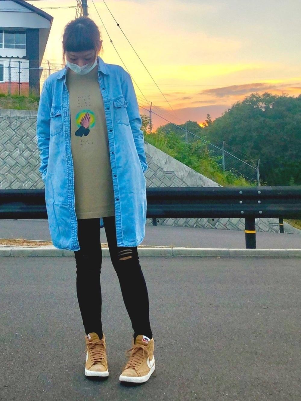 ボリューミーハイカットスニーカー×黒スキニー high-cut-sneaker-ladies-style-with-black-skinny