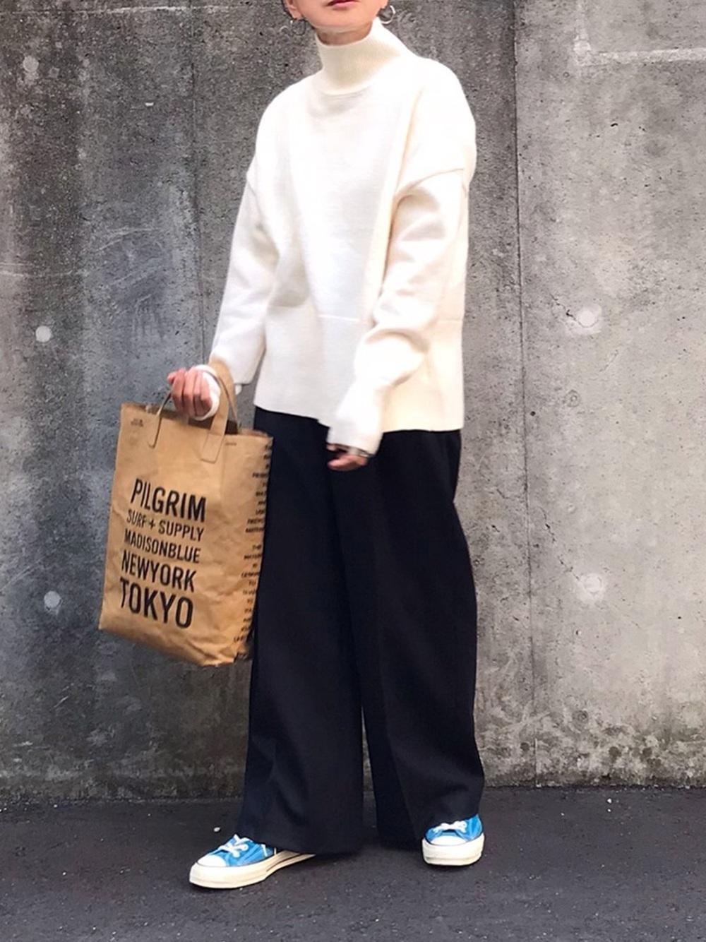 カラーハイカットスニーカー×ゆったりワイドパンツ high-cut-sneaker-ladies-style-with-wide-pants