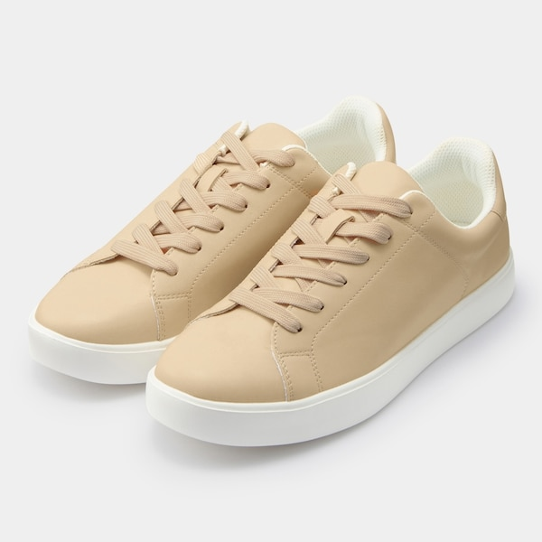 GU ライトソールレザータッチスニーカー+E ladies-beige-sneakers-styles-gu