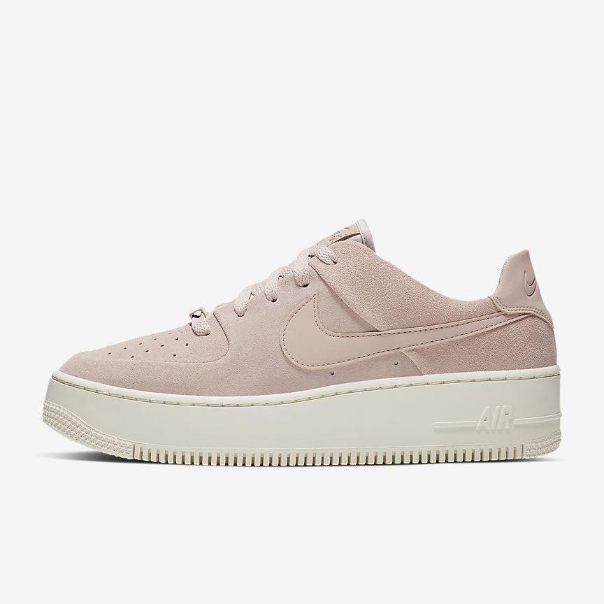 NIKE エアフォース 1 セージ Low ladies-beige-sneakers-styles-nike-air-force-1-sage