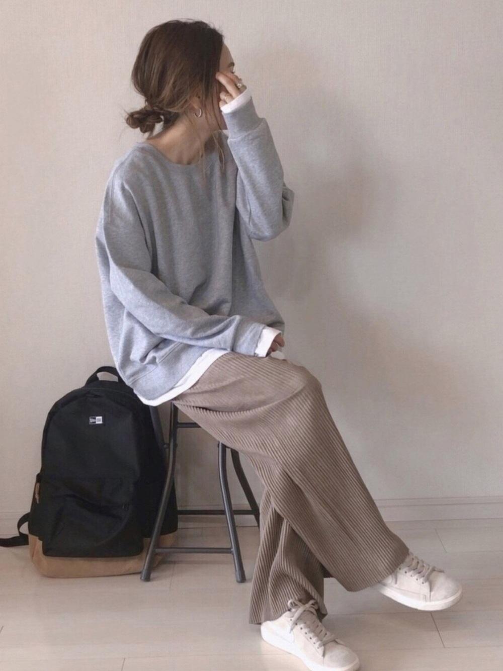 ニュアンスカラー×ベージュスニーカーコーデ ladies-beige-sneakers-styles-with-nuance-color