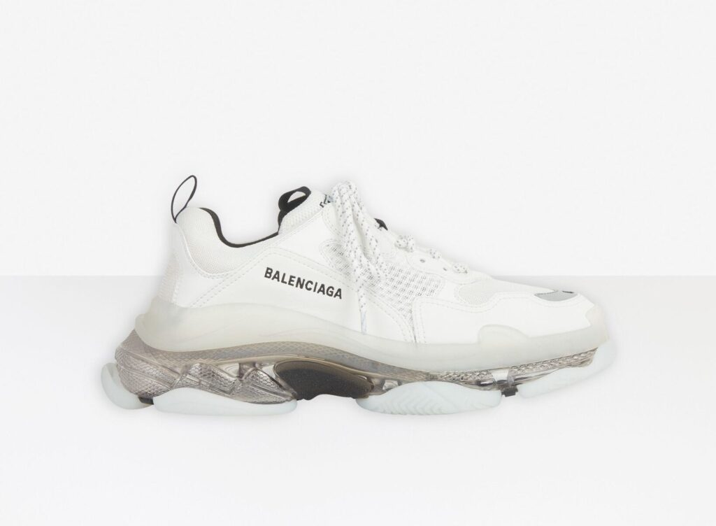 BALENCIAGA TRIPLE S CLEAR SOLE スニーカー海外高級ブランドの大人スニーカー ladies-sneaker-brand-osusume-balenciaga