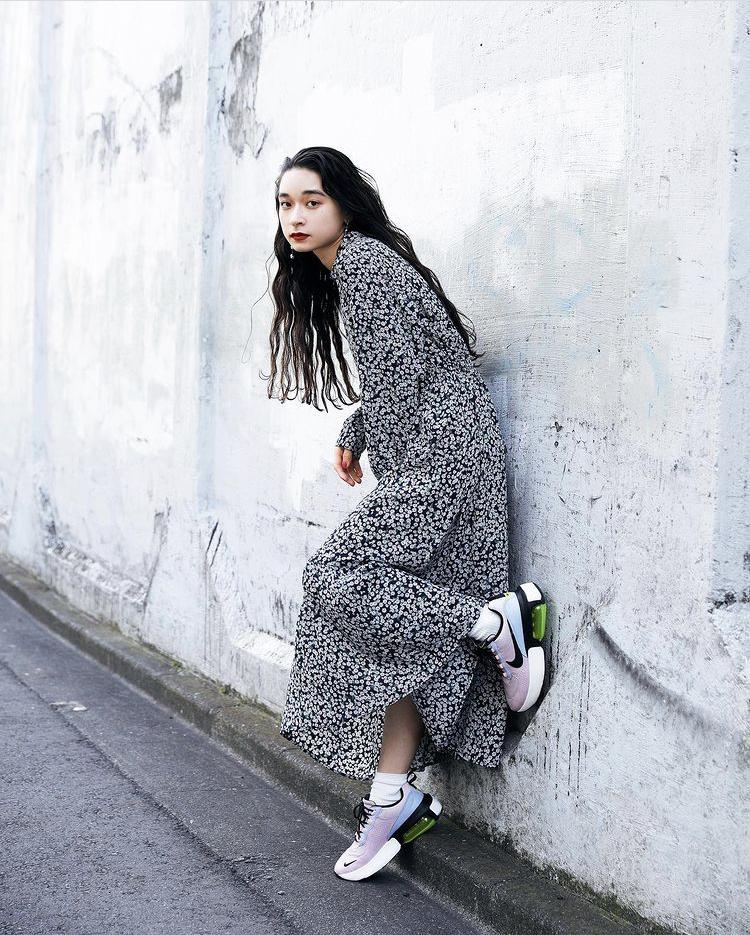ワンピースコーデ about-nike-air-max-verona-style-dress-look