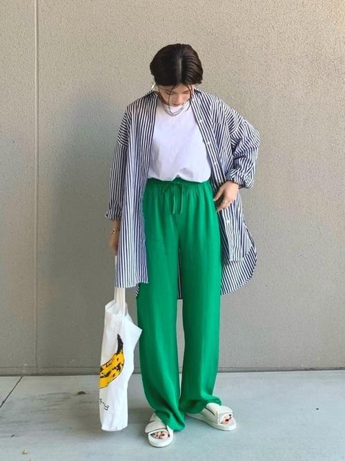 カラーパンツのゆるコーデ moonstar-810s-sneakers-style-color-pants-coordinate