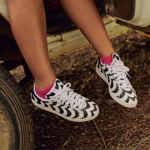 アディダス × マリメッコ スタンスミス adidas-marimekko-stan-smith-H05757-on-feet-2